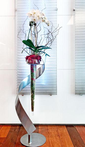 Luludi Living Art Infinity White Orchid Lobby
