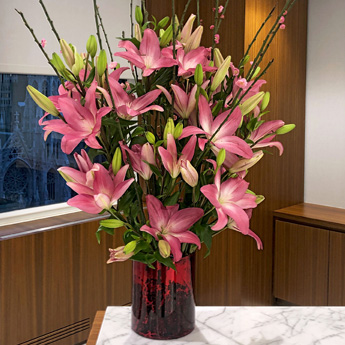 Luludi Living Art 75 Rockefeller Lily Floral Display